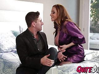 MILF Ariella Ferrera sucks and fucks with a blasting ending