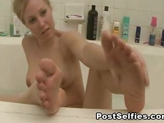 Sexy Milf Shows Her Naked Body In The Bathtub
