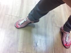 red toes candid