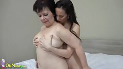 OLDNANNY Hot girl with strapon