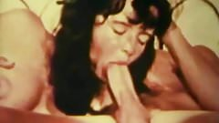 Vintage Girls Get It On PMV