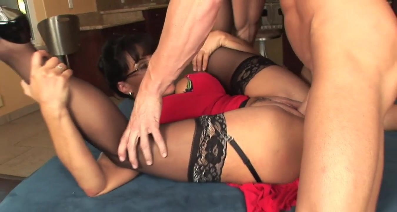 Sexy Milf In Lingerie With Glasses Fucks Great Top Milf-7099