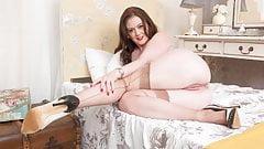 big vintage woman in X nylons hamster