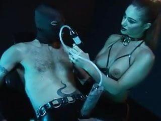 Latexmistress fully enjoyes her Fuckslave