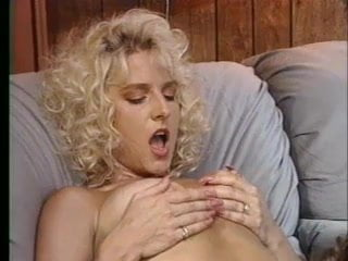 Amy while waiting for her boyfriend. (ir blowjob) suhu