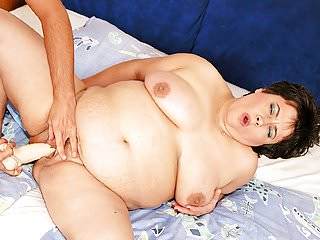 Fat belly mature got fucked wild