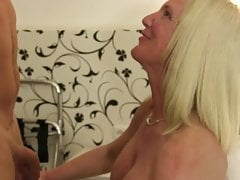 XXX Omas - German amateur sex with big titted mature blondie