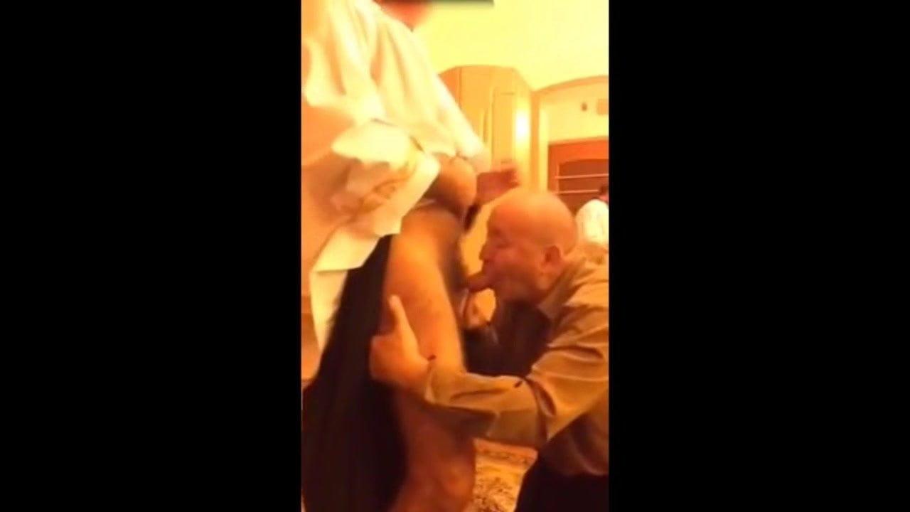 Grandpa Suck Priest Gay Daddy Hd Porn Video 4B - Xhamster-9995