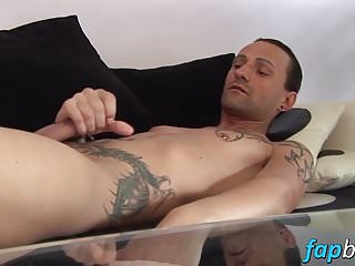 Jeff Paris spends some quality time alone wanking his dick