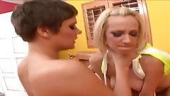 Threesome foot play with two hotties
