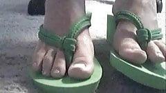 pretty toes JOI