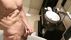 My Hot Fit Hunk Body In Bath With Hanjob