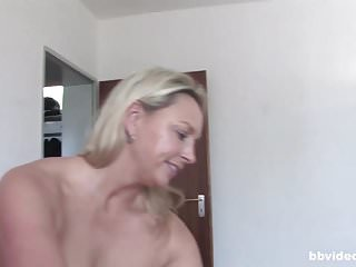 Mature German housewives enjoy each other in amateur swing