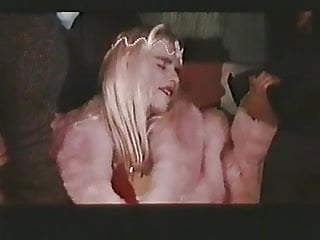 Порнографический фильм il telefono rosso