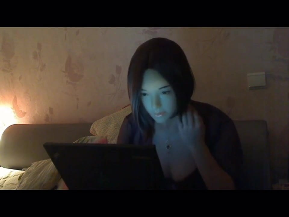 Japanese babe gets her pussy fingered until she squirts 96%