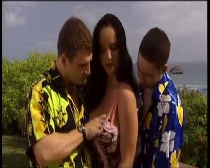LUNAR threesome outdoor fuck