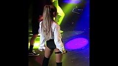 Jerking to Ariana Grande Dancing