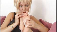 BARE FOOT & Lesbian Bondag