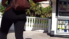 Candid voyeur teen ass in leggings shopping