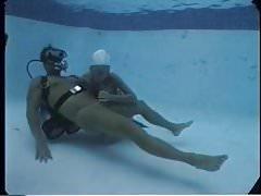 Underwater blowjob by Sandy Knight
