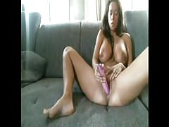Hot chick watch porn and make herself cum