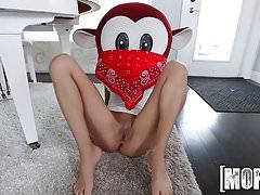Mofos.com - Sadie Pop - Don't Break Me