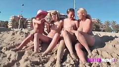 Sex mit meinen Freundinnen auf Malle am Strand