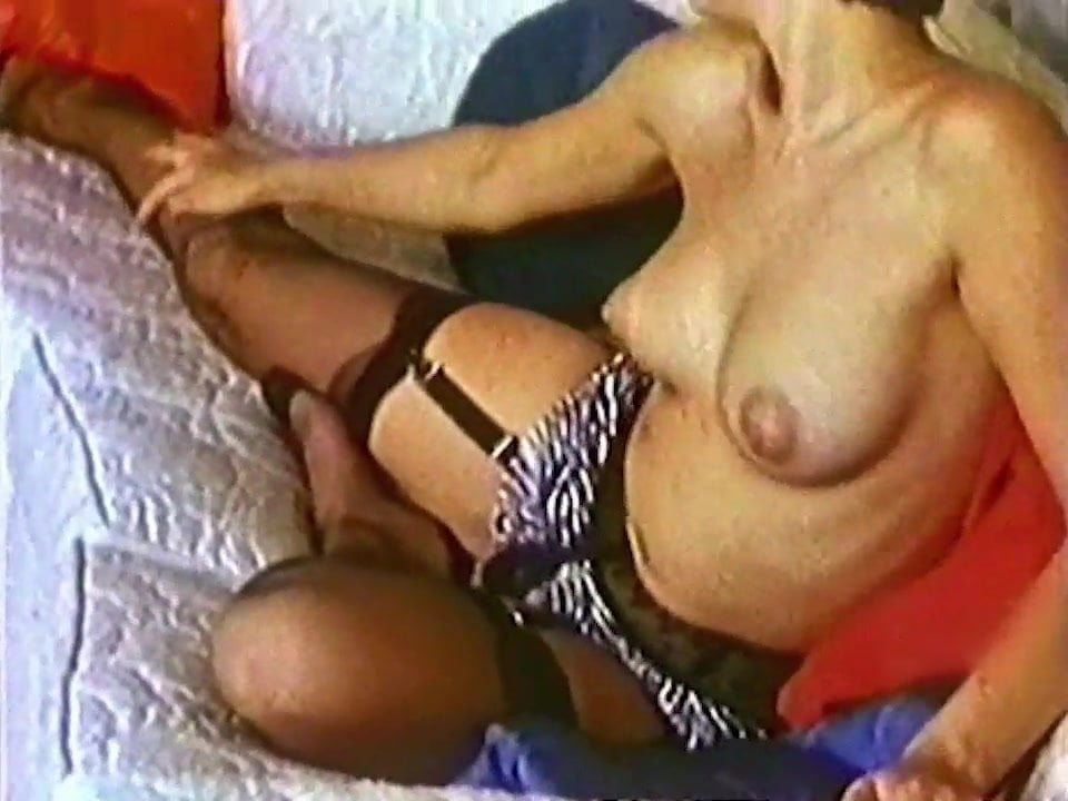 British milf Diana plays with her nipples and pussy 93%