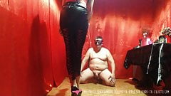 Domina Plays with the Bowls of Dog Slave - Vends-ta-culotte