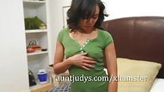 Annie Cruz Fingers and Slaps her Mature Pussy
