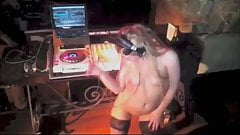 More topless DJs show their tits