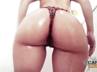 Carmen Valentina Oily Booty In Shower
