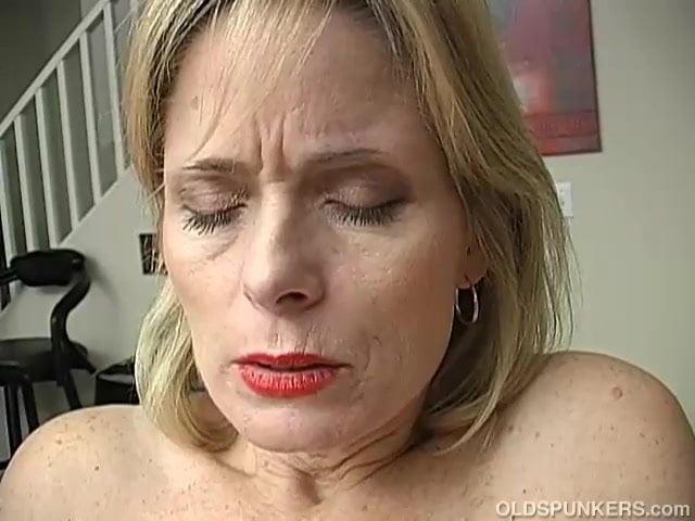 Mature babes fucked then masturbate together