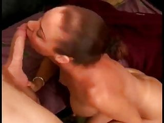 Older woman loves sucking cock