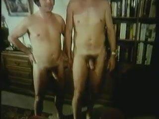 German milfs fucking in foursome