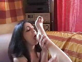 Savanah Worships Tatiana's Feet part 2