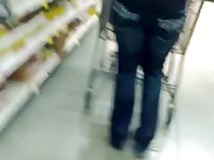 Sexy Latina MILF With Nice Round Booty At A Supermarket