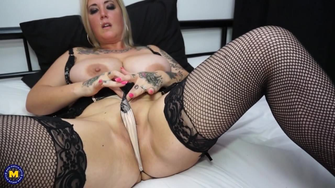 Huge breasted MILF Magee with hungry cunt