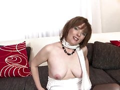 Natural mature mother with super hungry cunt