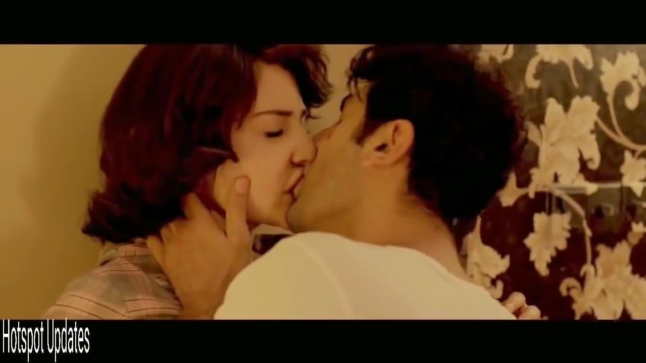 Anushka Sharma Sex Scene anushka sharma kisses