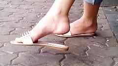 flip flop dangling 51