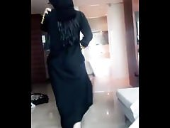 Sexy hijab abaya ass walk from khalij UAE