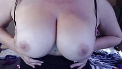 Horny MILF Joclyn bangs full hairy vagina to make u cum