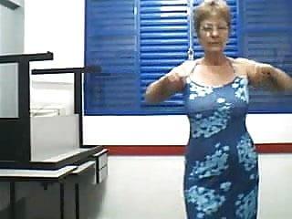 Granny dance e strip