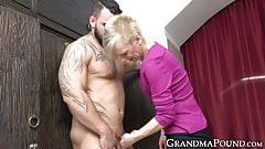 Kinky grandma sucking hunk ass and cock before eating cum