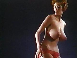 C  039 MON EVERYBODY - vintage jiggling huge tits dancer