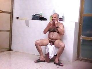 Str8 spy pakistani daddy in public bath