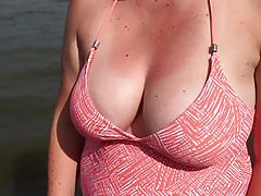 Big Natural Tits Wife Throwing a Ball at the Beach
