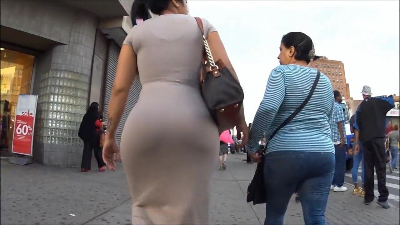 Ebony gapping pussy