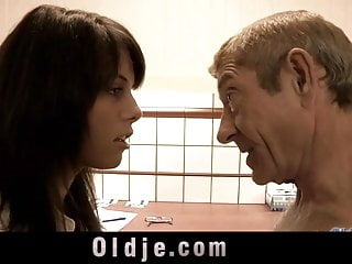 Decrepit grandpa licks and fingers hairy cunt till orgasms